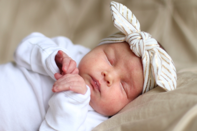 Addie & Ellie Spens Newborn Pics 2015_144