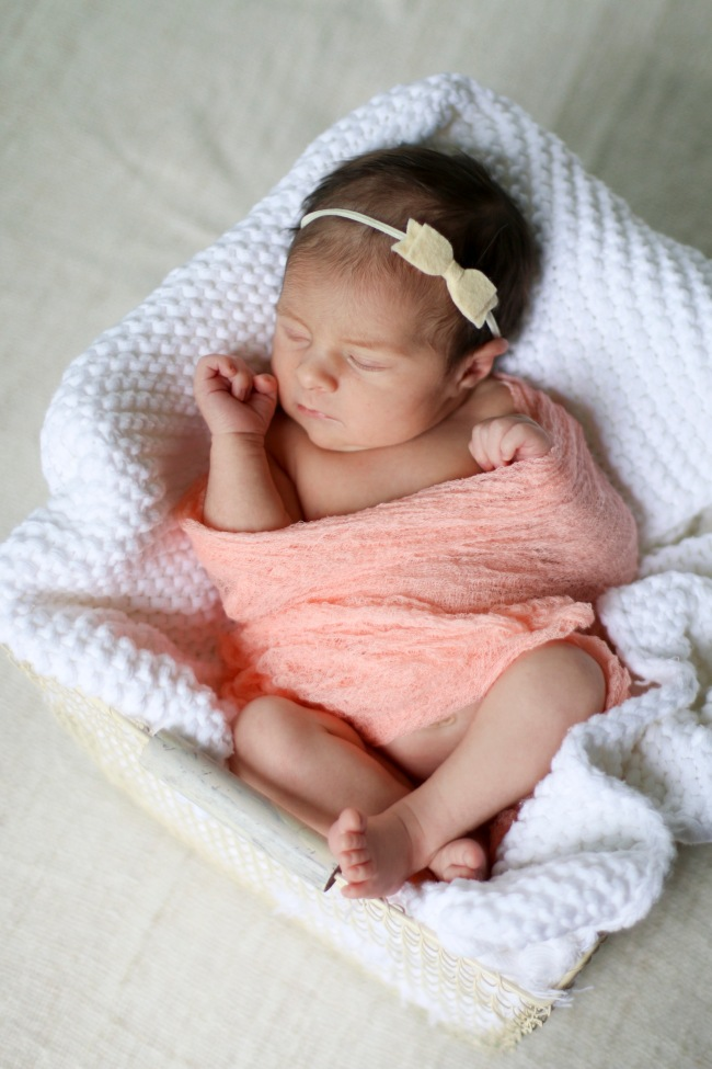 Lucy Reynolds Newborn Photos 2015_75
